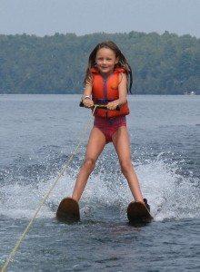 Mallory on waterskis